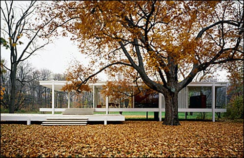 farnsworth-house-photo-by-jon-miller-hedrich-blessing